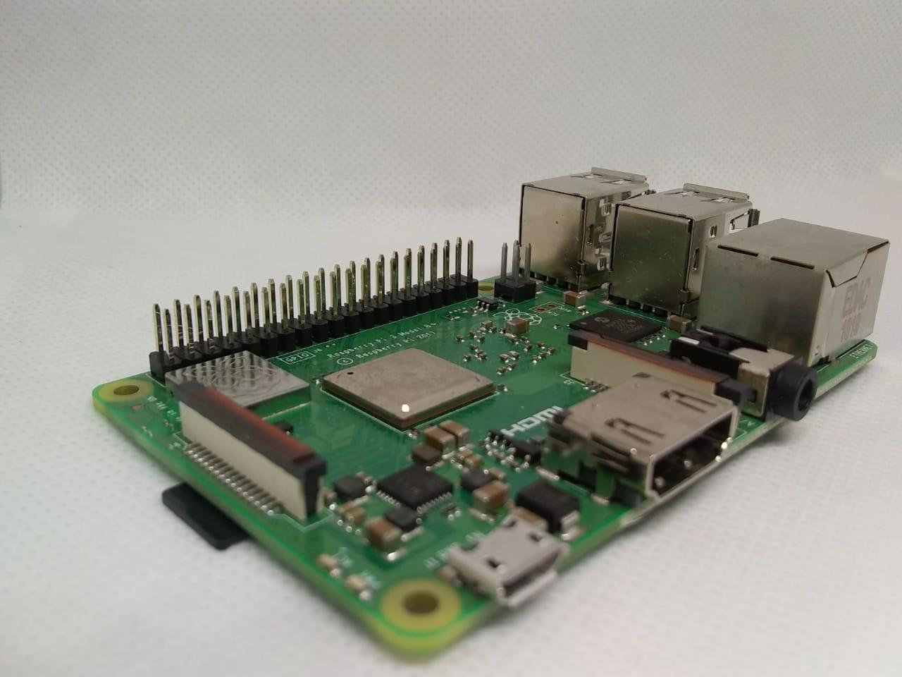 raspbian pi 3b+ placa hardware